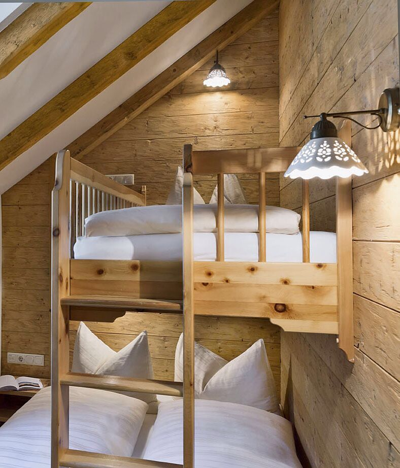 Stockbett im Kinderzimmer im Chalet // Bunk bed in the