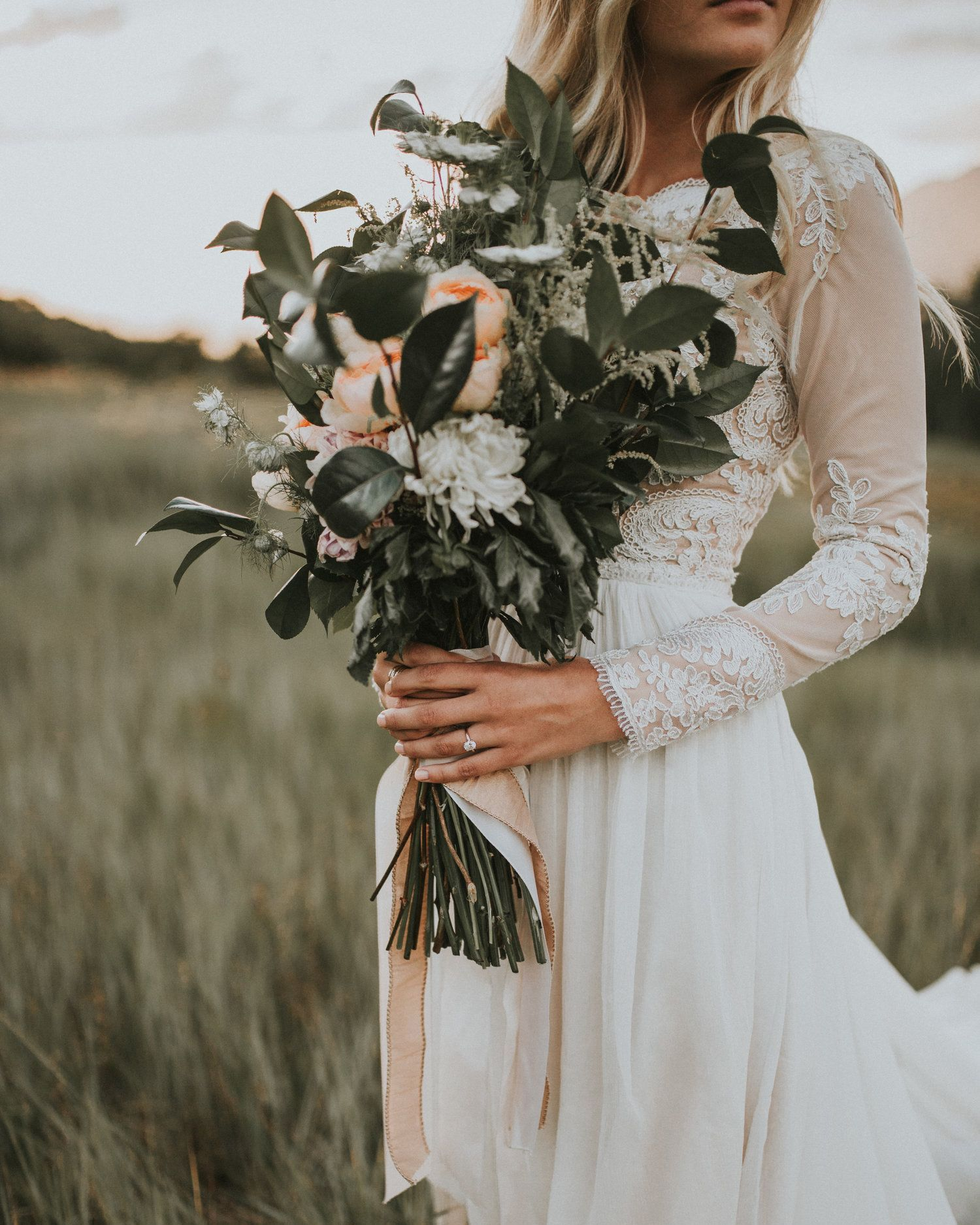 Trending Now Long Stemmed Wedding Bouquets Wedding Photography