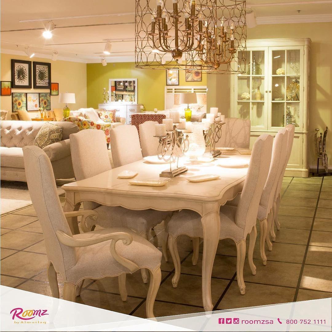 Roomzsa On Instagram جمال منزلك يكمن في جمال تفاصيله سفرة انيقة لتتمتعوا بأجواء لاتنسى اثاث ديكور روومز Dinning Room Chandelier Home Decor Furniture