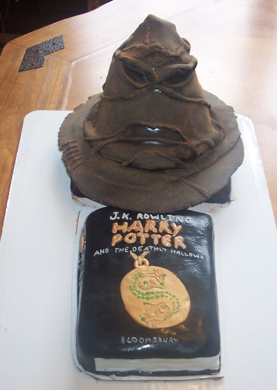 Harry Potter Sorting Hat cake https://www.facebook.com/SweetWhimsyDesigns