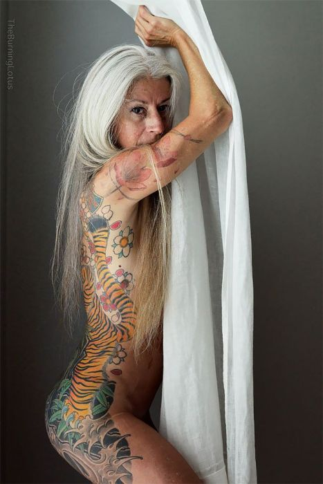 Photo of 18+: 56 year old tattooed woman shows everything | Nlcafe