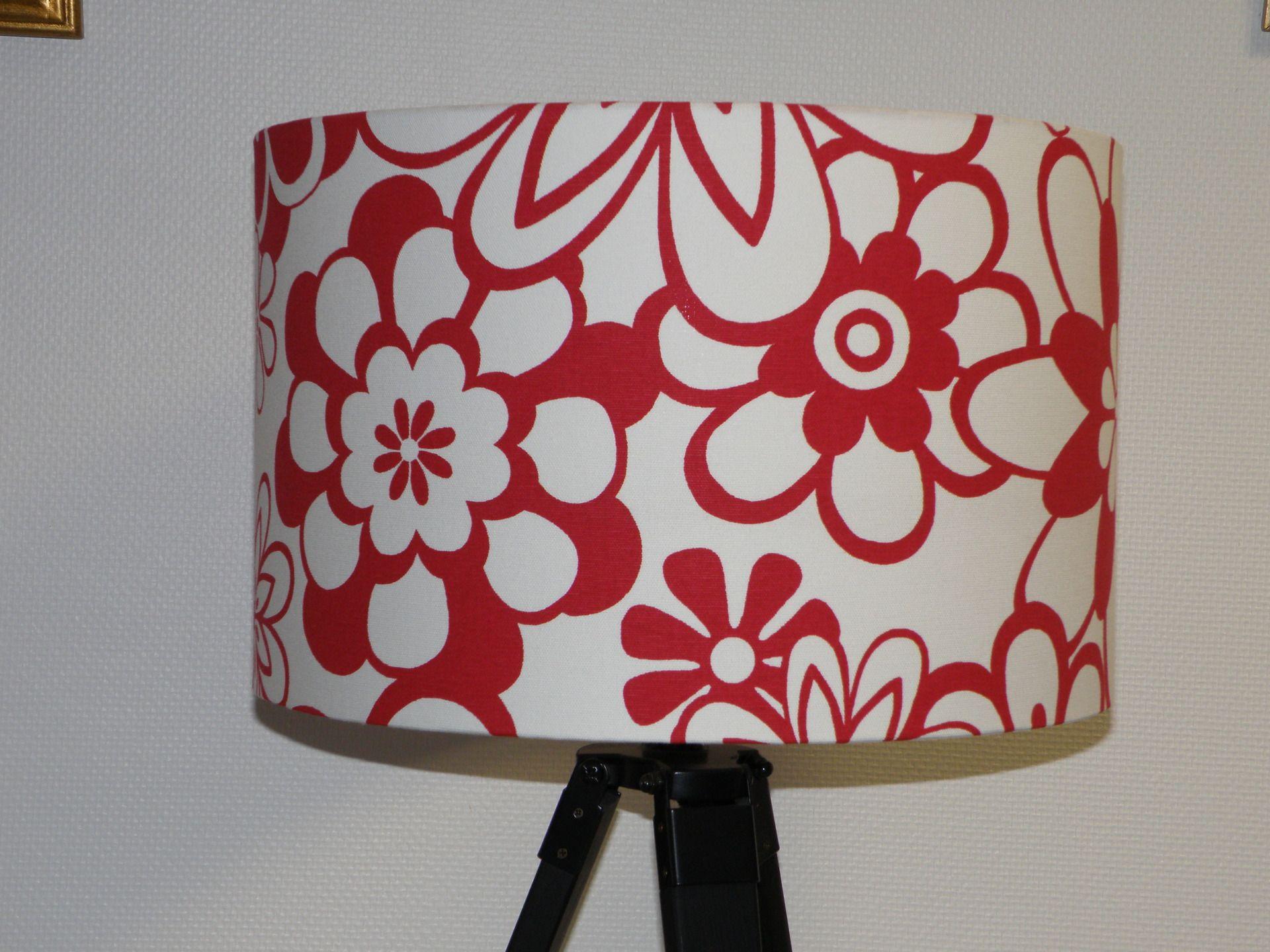 Abat Jour Pour Pied De Lampe Ou à Suspendre Grosses Fleurs Rouges Sur Fond  Blanc : Luminaires Par Anne Claude C