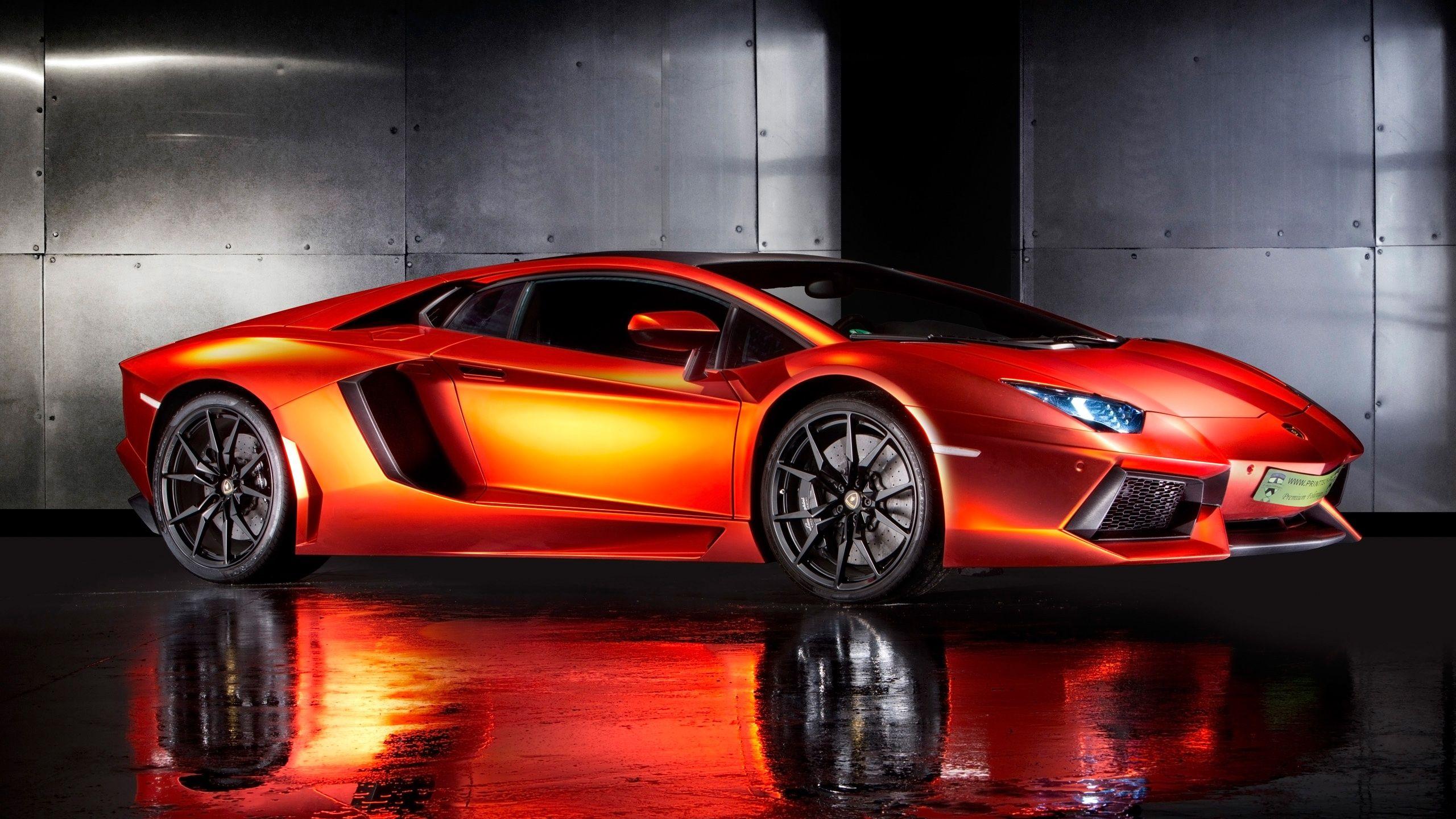 Wallpaper Mobil Sport Lamborghini Aventador Sobkerenabis