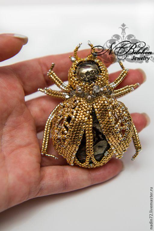 Золотой жук. Брошь. Только золотой и серебряный бисер. Handmade. - Golden Beetle. Brooch. Only gold and silver beads. Handmade.
