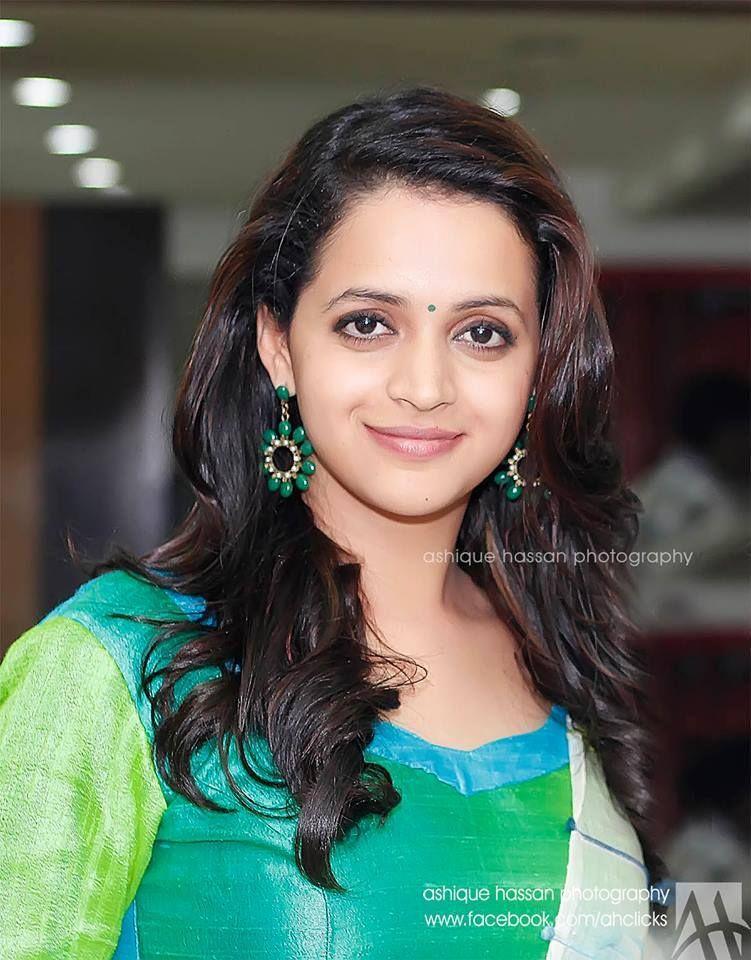 Bhavana  E B Ad E B Be E B B E B A Mallu Actress Latest Photo Gallery Malayalam Actress Photos Videos News