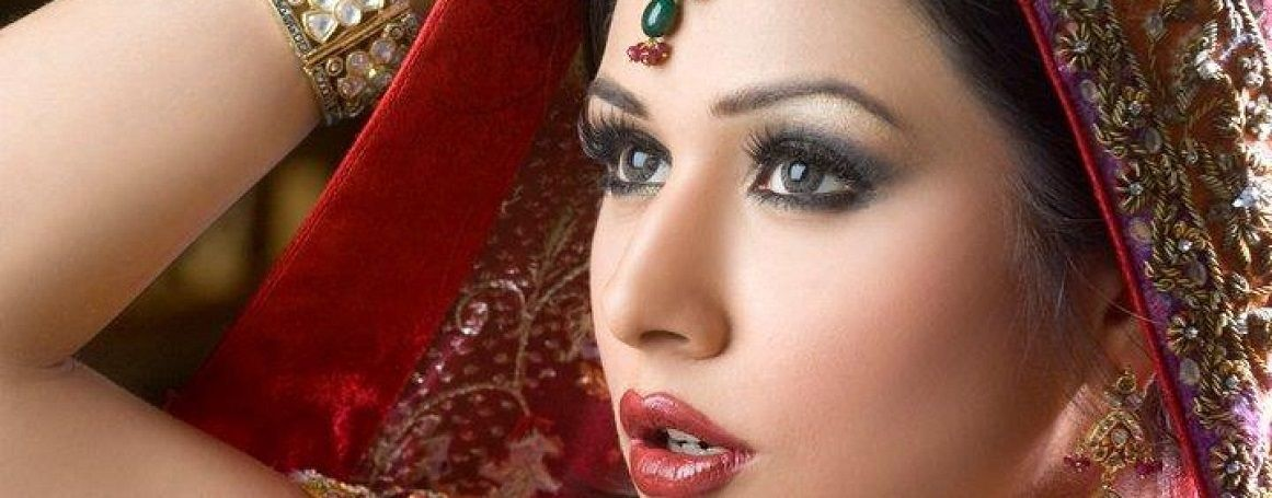 Home Service Beauty Parlour Hsbp Leading A Beauty Parlour Services At Doorstep In Few Metro Cities Https Homeservic Hairstyle Bridal Makeup Pakistan Bridal