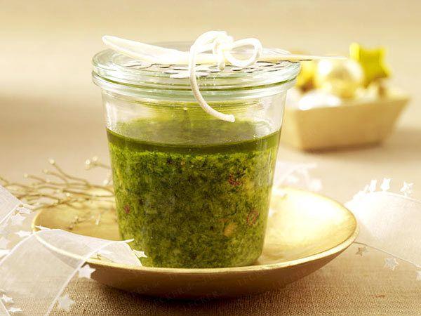 Geschenke aus der Küche - alles selbst gemacht Pesto, Dips and