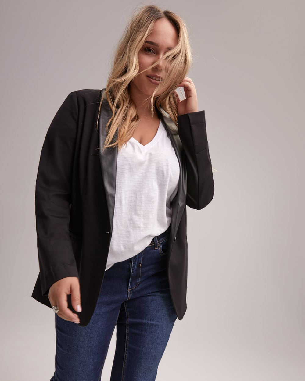 b6cadc386b6 Wear this modern plus size blazer from Michel Studio with practically  anything. From skinny jeans