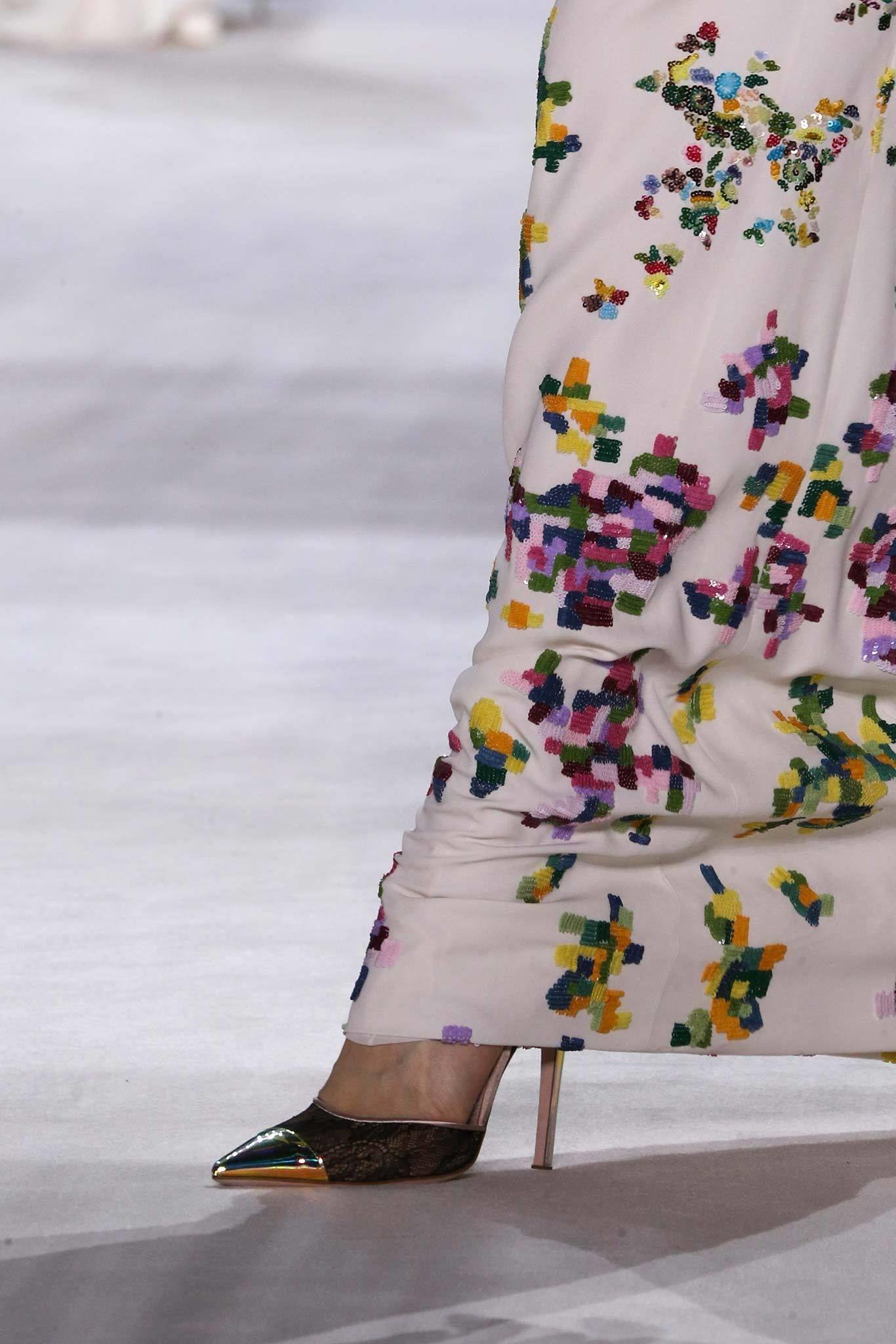 Giambattista Valli Fall 2014 Couture Fashion Show Details