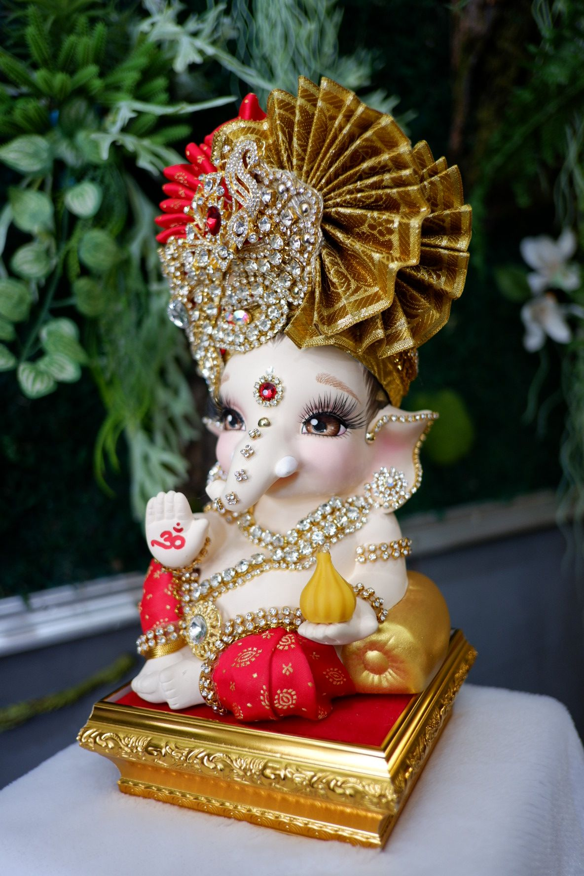 Pin By Sakshi Saini On Ganesha Baby Ganesha Ganesha Hindu Happy Ganesh Chaturthi