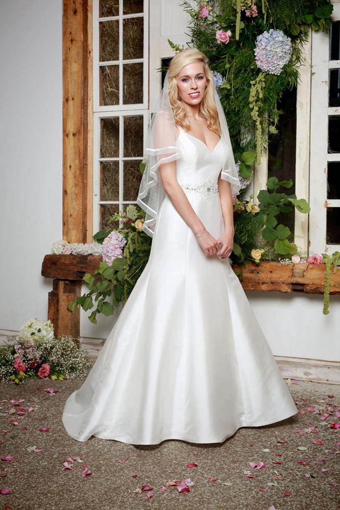 She Walks with Beauty by Amanda Wyatt Bridal Gown Style - jewel ...