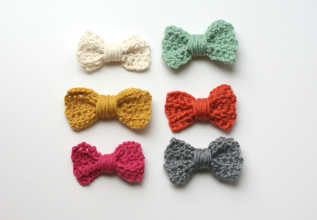 Easy crochet bow tutorial/pattern #crochetbowpattern