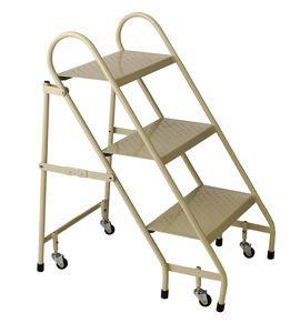 http://foldable-ladders.com/2013/10/23/polder-ultra-light-aluminum-5-step-ladder/