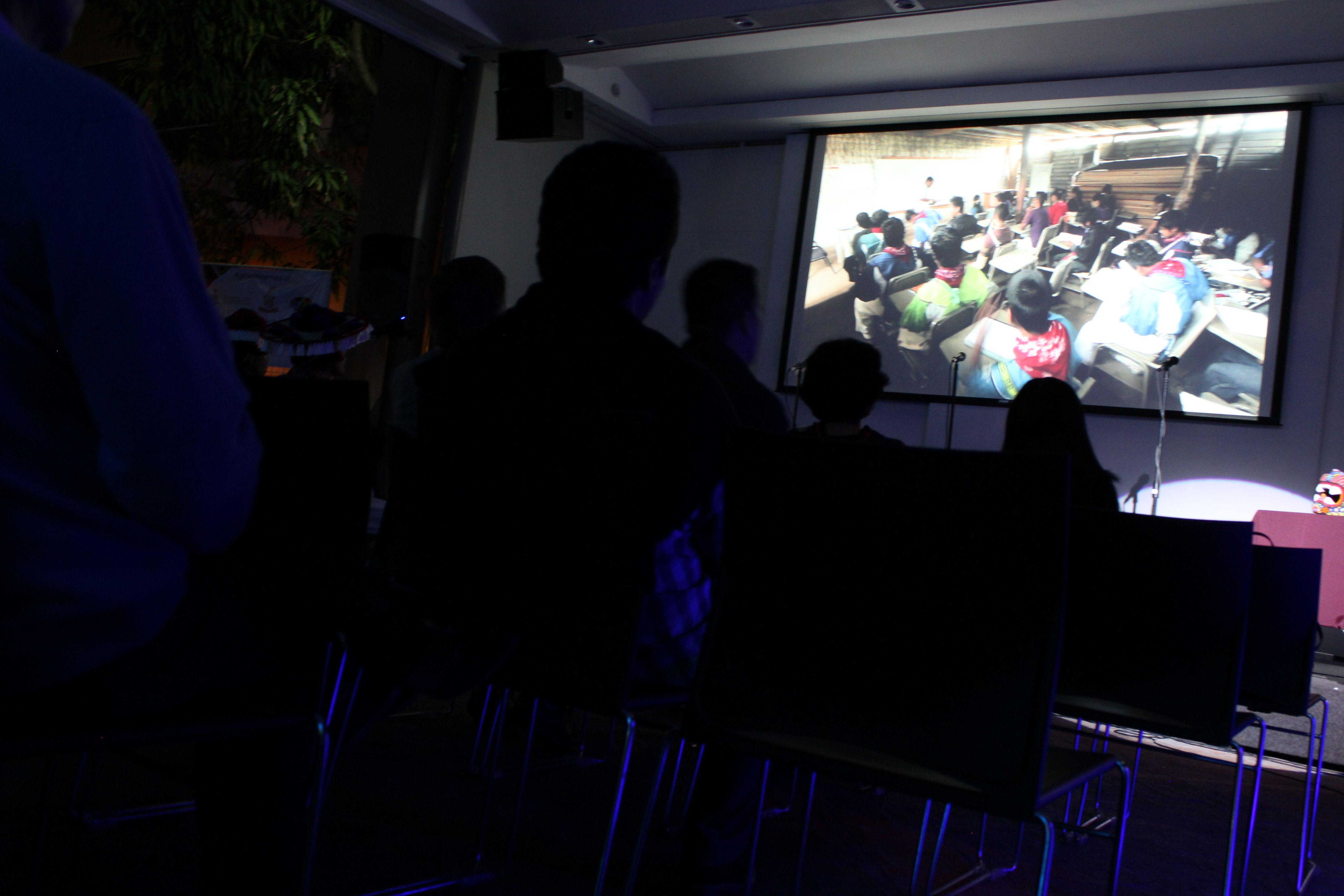 Una de las acciones para recaudar fondos fue un evento cultural realizado el pasado 20 de noviembre en Casa ITESO Clavigero.  Voluntarios crearon un cortometraje que muestra la realidad de los alumnos en esta comunidad. Foto: Karenina Casarín