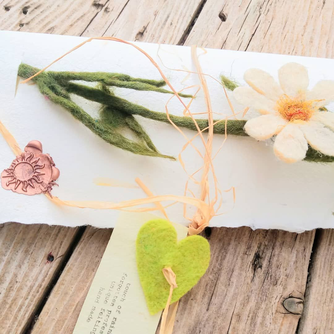 Hand made with merino Free delivery Gift ideas Brooch leaf Nice wraping with wax Ready to go.