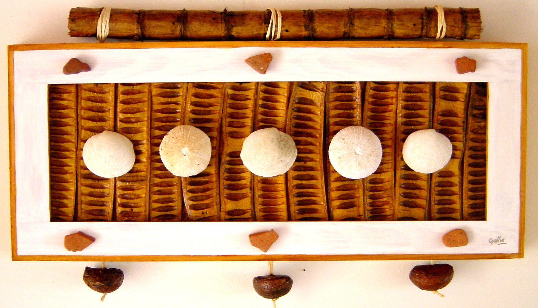 Tableau Bois Et Nature Flamboyant Canneasucre Coquillages Cosses Bois Martinique En 2020 Tableau En Bois Mobilier De Salon Decoration Interieure