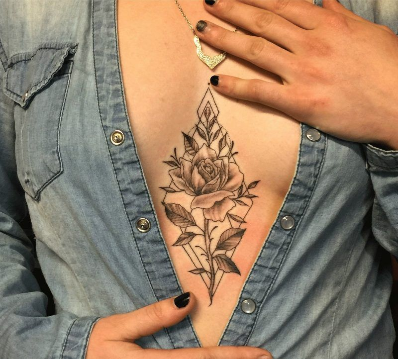 Das Brust Tattoo als ein Schmuck - Tattoos - ZENID