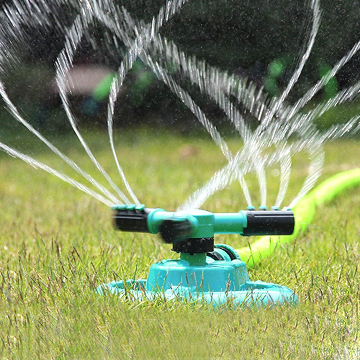 Spraying Can Be Targeted By Adjusting The Water Density Size And Scope Anti Skid Base Plate Manufact Water Sprinkler Best Lawn Sprinkler Garden Sprinklers