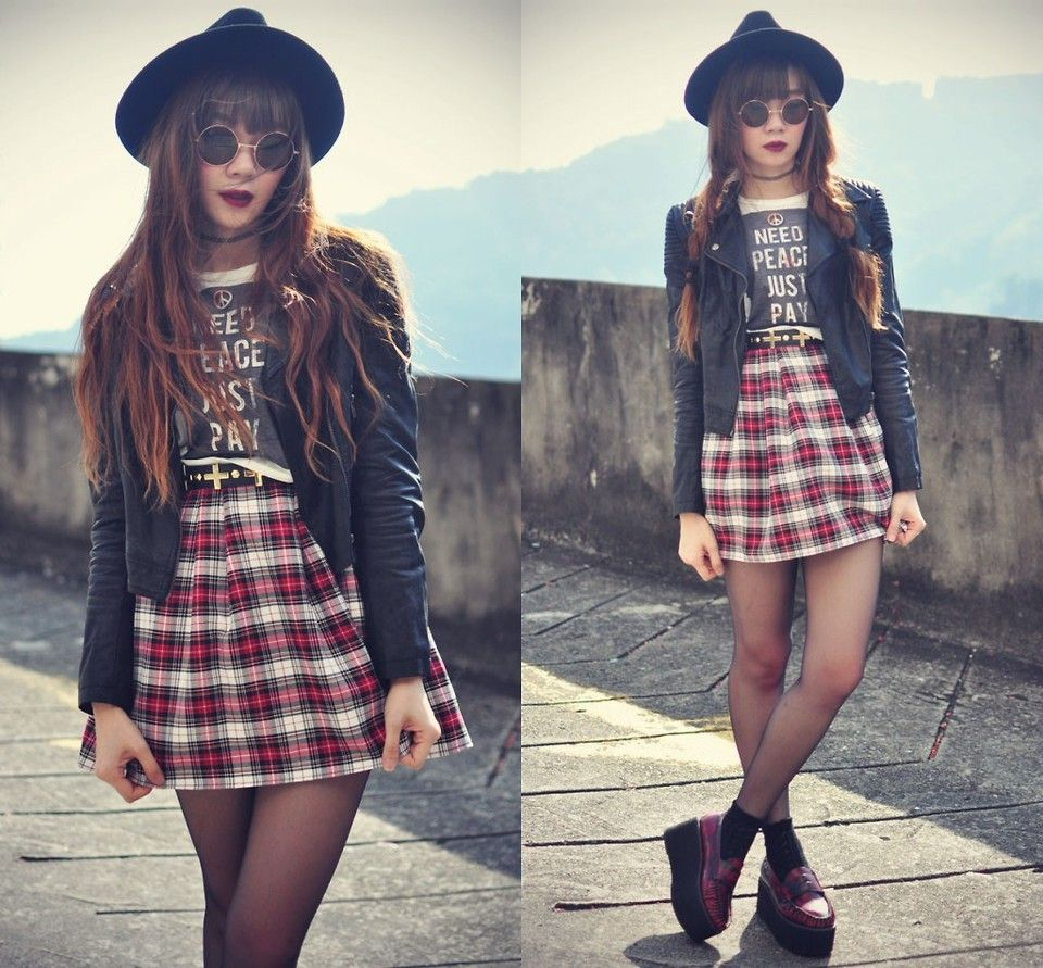 I dont like plaid skirts but I am seeing them everywhere.  I could easily sub for another print