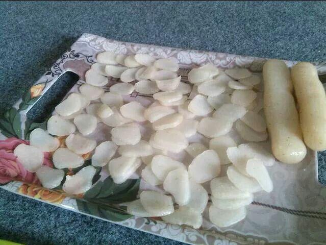 Cara Membuat Kerupuk Dari Nasi Sisa Bahan Bahan 1 Mangkok Nasi Sisa Rendam Kurleb 1 Jam 1 Mangkok Tapioka Secukupnya 3 Siung Bawa Makanan Minuman Resep Dan Bawang Putih