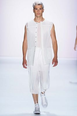Vektor Berlin Spring 2016 Fashion Show: Complete Collection - Style.com