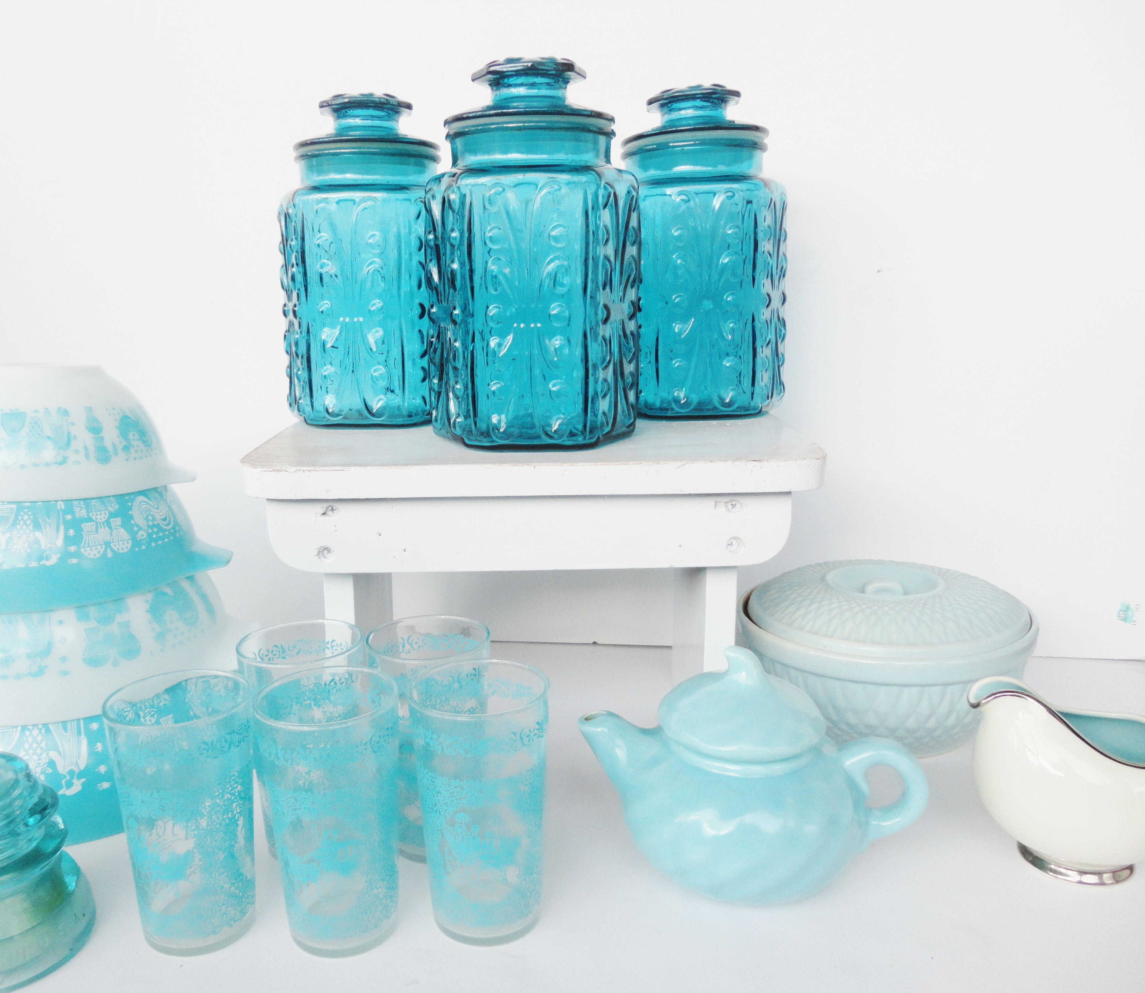 pictures of turquoise items   Vintage Turquoise Kitchen 2   Simply ...
