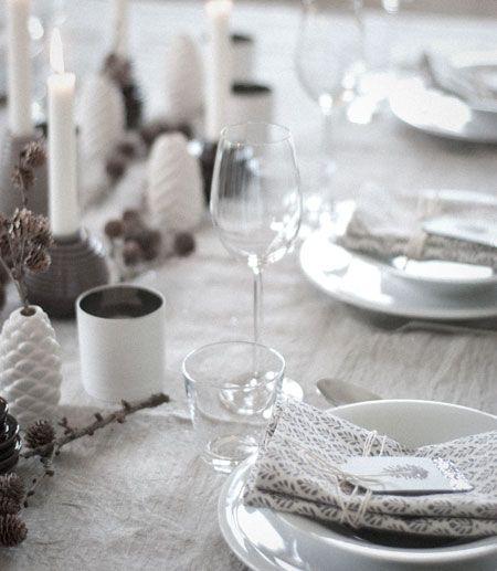 zapfen weihnachts tischdeko wundersch n gemacht tischdekoration pinterest z pfchen. Black Bedroom Furniture Sets. Home Design Ideas