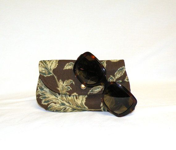 NEW  Eyeglass Case in a botanical floral print of by www.bagsbystacey.etsy.com