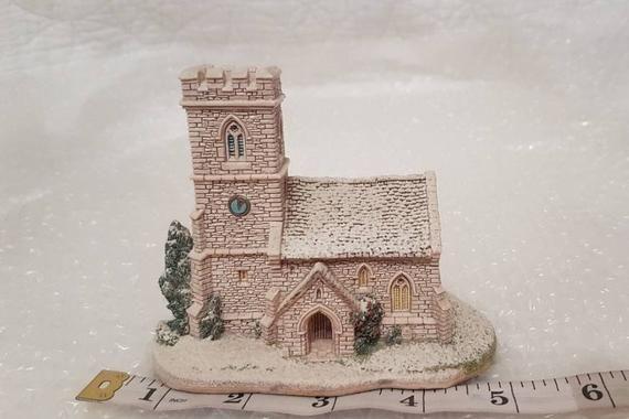 Lilliput Lane ST JOSEPH'S CHURCH 1993 Christmas Collection - **Snow fading #churchitems
