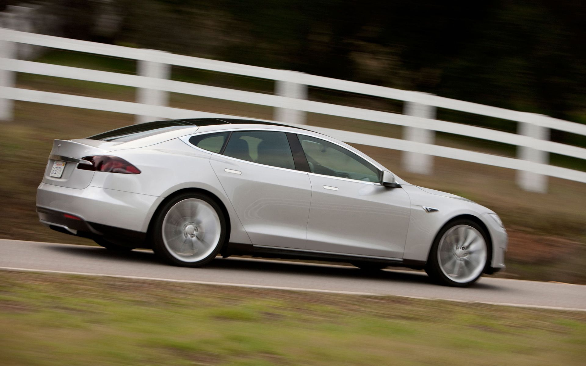 Alpha Model S Driving Tesla Motors Live HD Wallpapers - All models of tesla