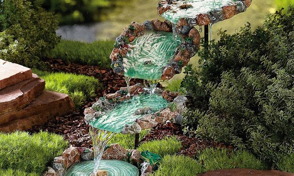 10 DIY Water Fountain To Make Your Garden More Appealing | Pinterest ...