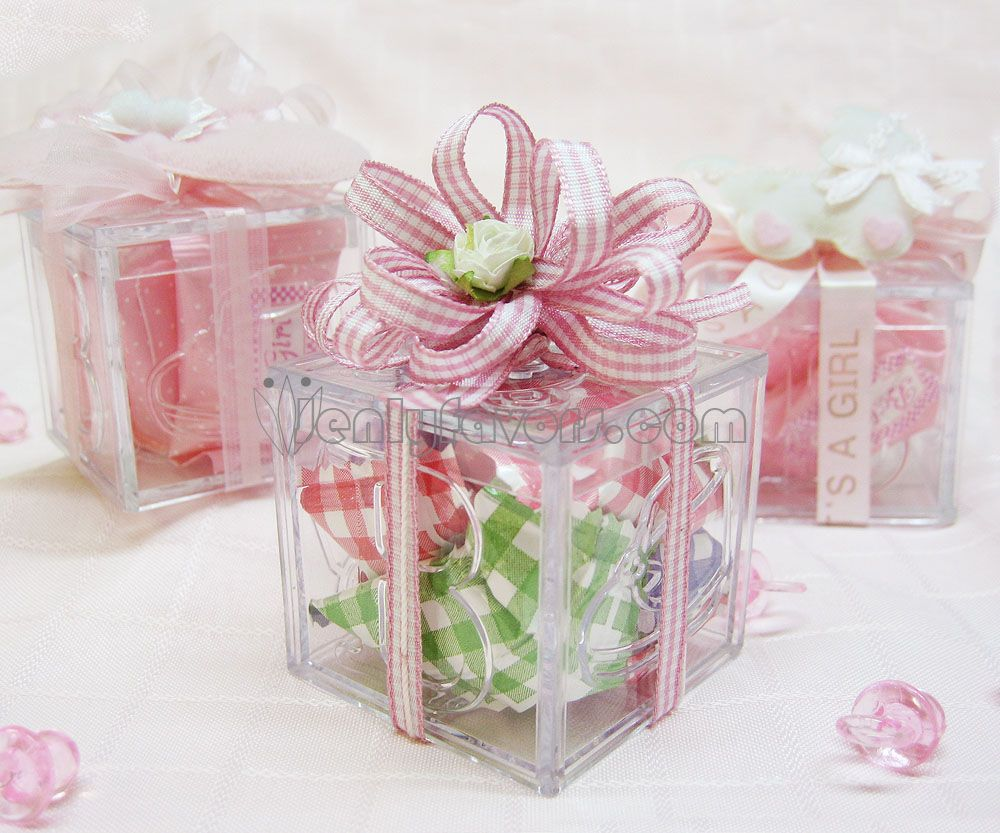 www.jenlyfavors.com: DIY Gingham Baby Shower Favor Box with gingham ...