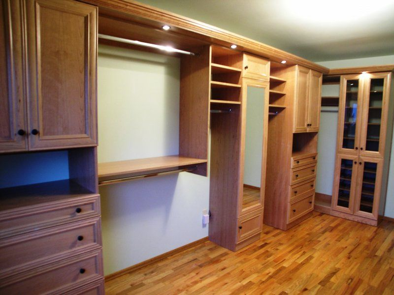 Custom Built Closets And Organizers