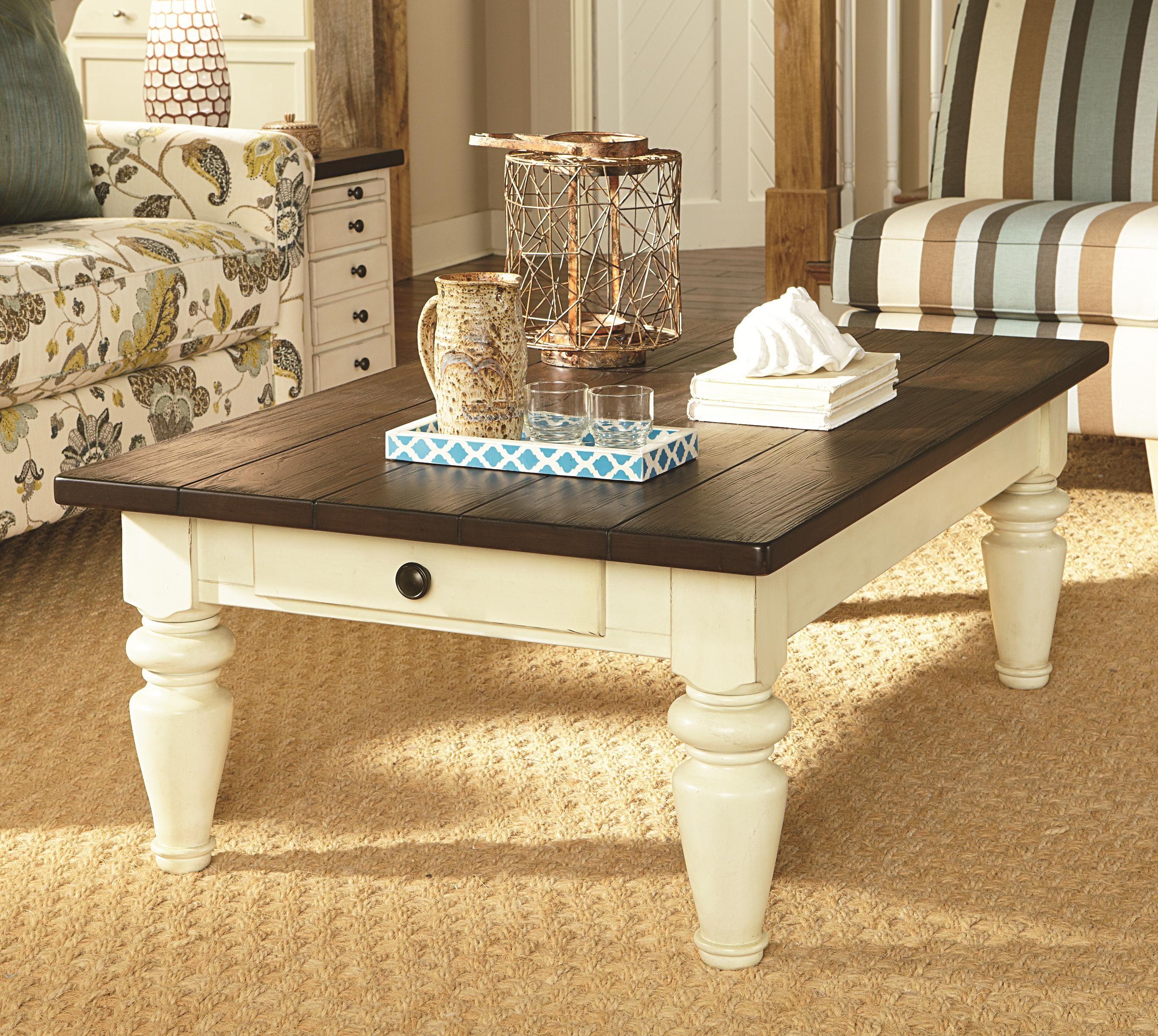 Living Room Table Toronto: Hammary Heartland Cocktail Table