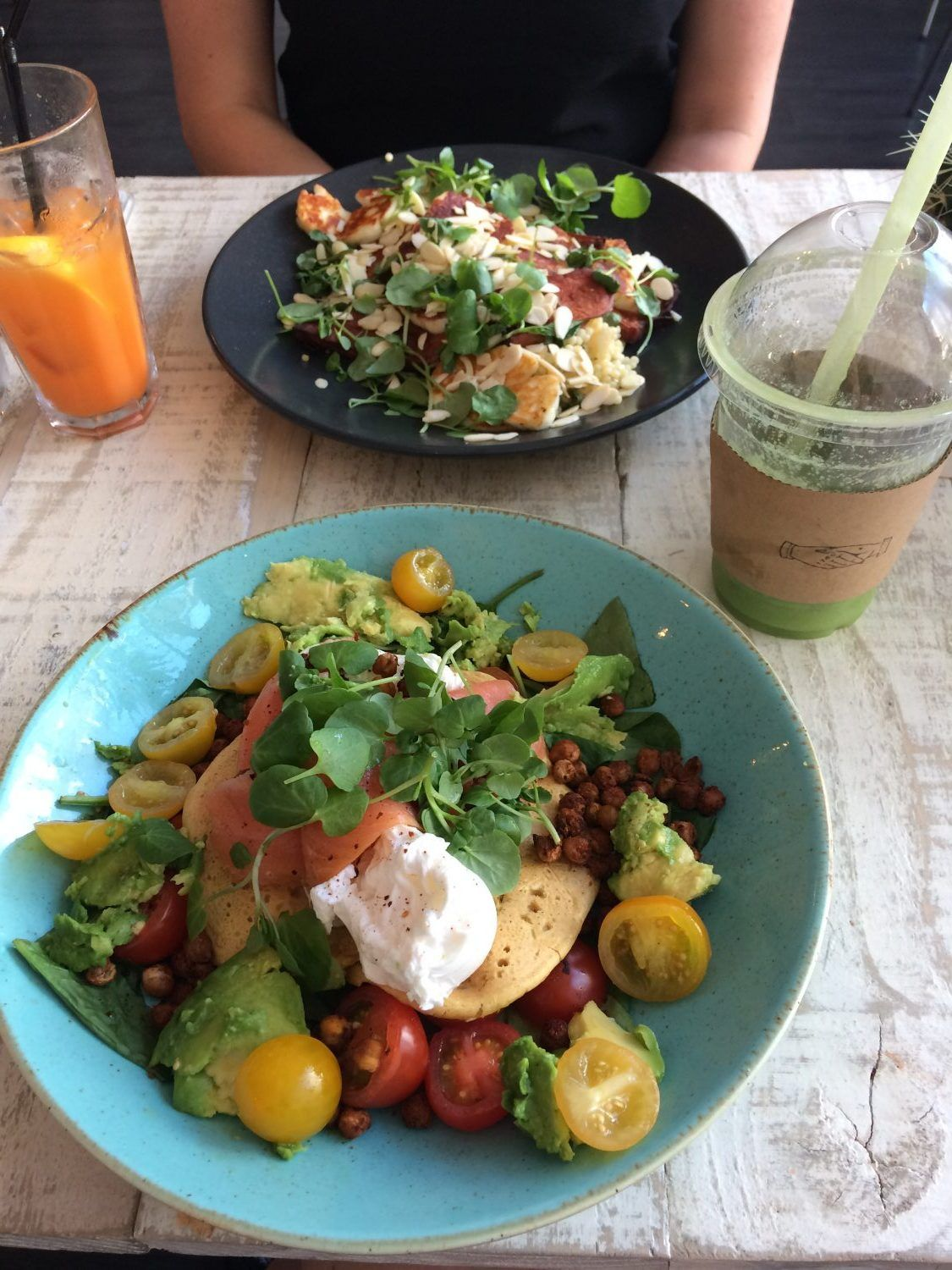 Eating out: Love Thy Neighbour organic cafe/restaurant/bar in Liverpool, England.  Smoothies, cocktails and healthy dishes.