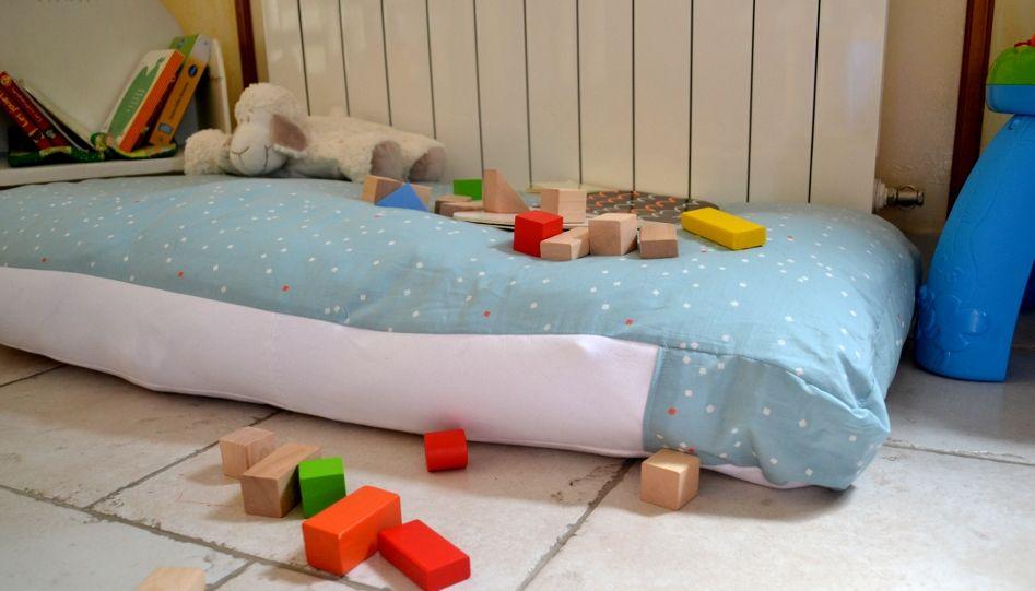 coussin de sol diy tuto enfant sewing toddler bed et bed. Black Bedroom Furniture Sets. Home Design Ideas