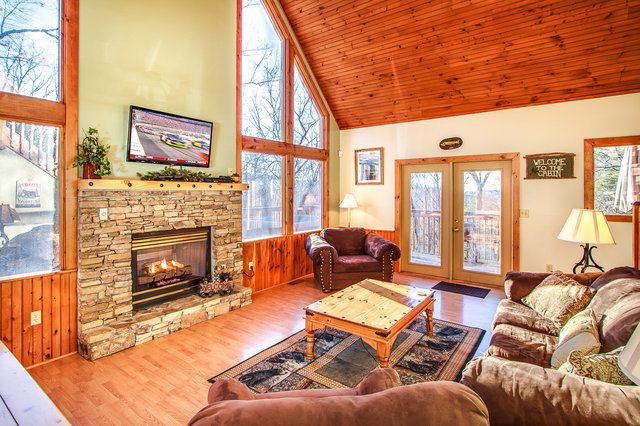 Love Leigh Is A Recently Remodeled 1 Bedroom Cabin In Gatlinburg Tn