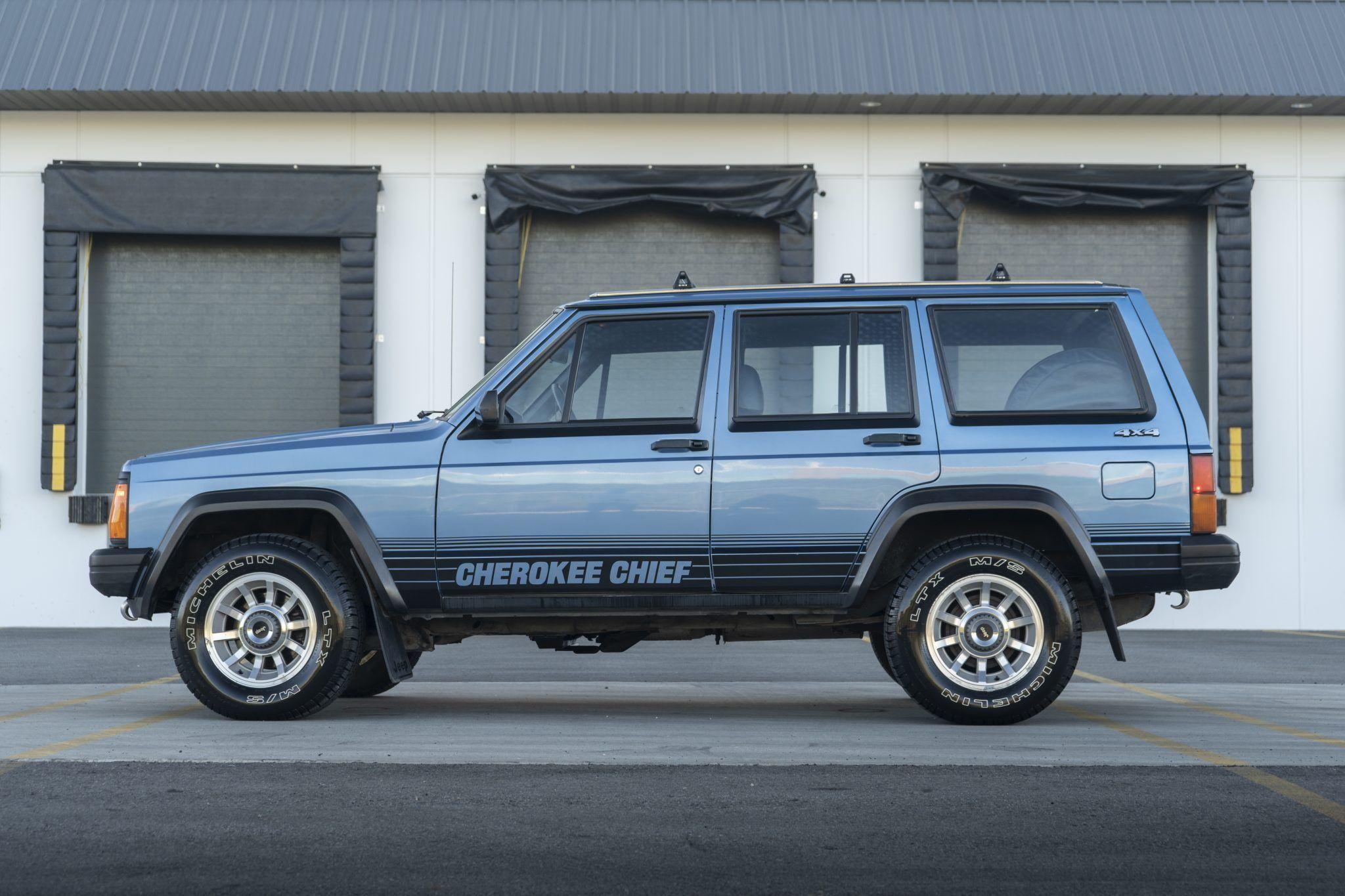 No Reserve 1988 Jeep Cherokee Chief 4x4 Jeep Cherokee Cherokee Chief Jeep