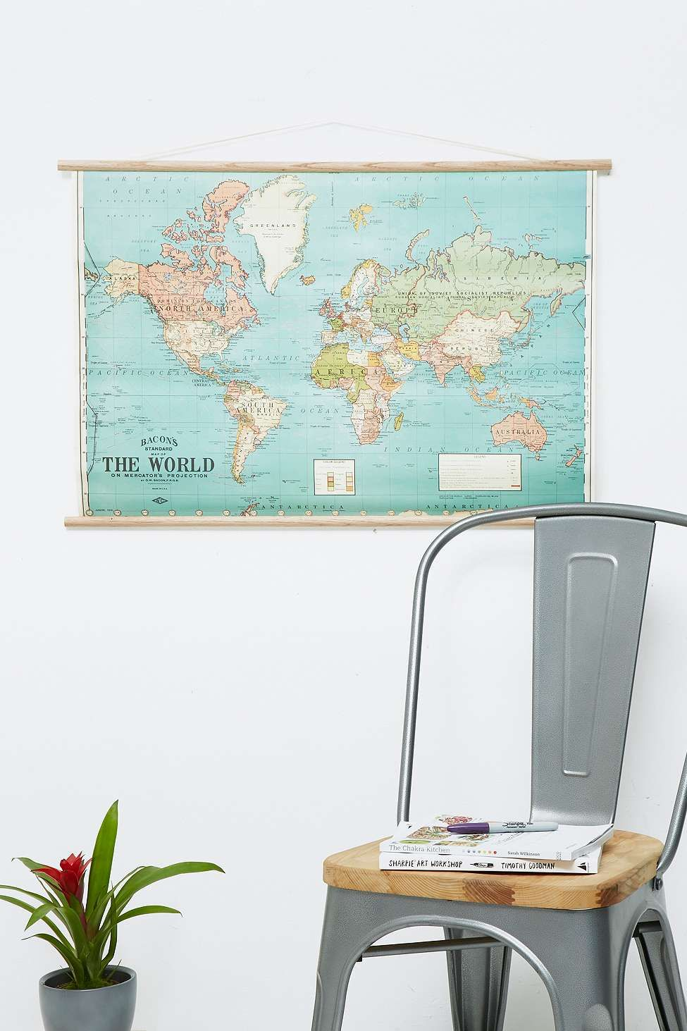 poster carte du monde d co vintage r tro pinterest carte du monde carte du monde vintage. Black Bedroom Furniture Sets. Home Design Ideas