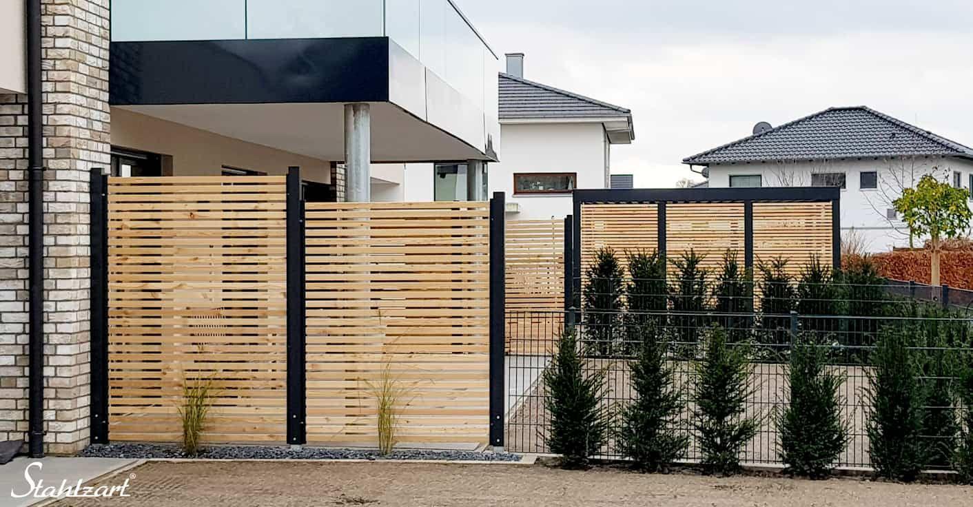 Sichtschutz Zaun Holz Lärche Metall anthrazit modern