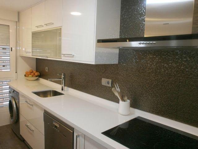 materiales-para-la-pared-de-la-cocina-laminado-blanco-brillo5