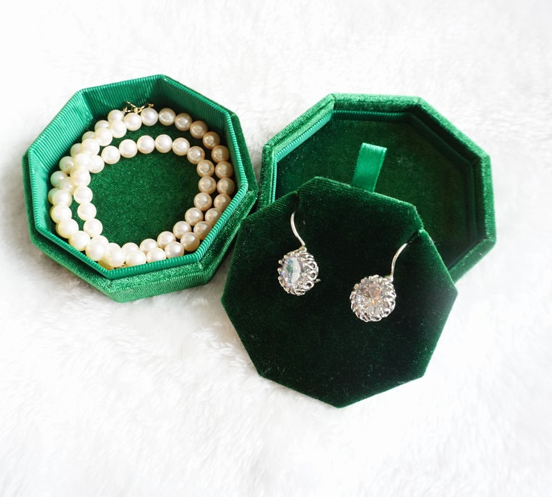 Vintage Green or Pink Jewelry Box For Necklace, Ring or Bracelet. Perfect Velvet Gift Box For Wedding, Birthday and Anniversary For her.,  #Anniversary #Birthday #box #Bracelet #Gift #Green #jewelry #jewelrypackagevelvet #Necklace #Perfect #Pink #Ring #Velvet #vintage #Wedding
