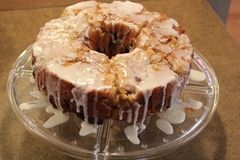 Apple Cinnamon Monkey Bread.    perfect for Christmas morning.  Fast and easy
