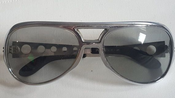 66e5661e633e4 1960s 1970s Elvis Polaroid Model 8004 silver framed by SW2Cool Elvis  Collectors