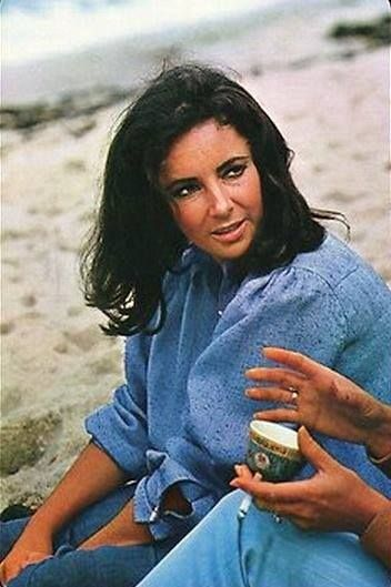 7775e60ed Elizabeth Taylor on the set of  The Sandpiper