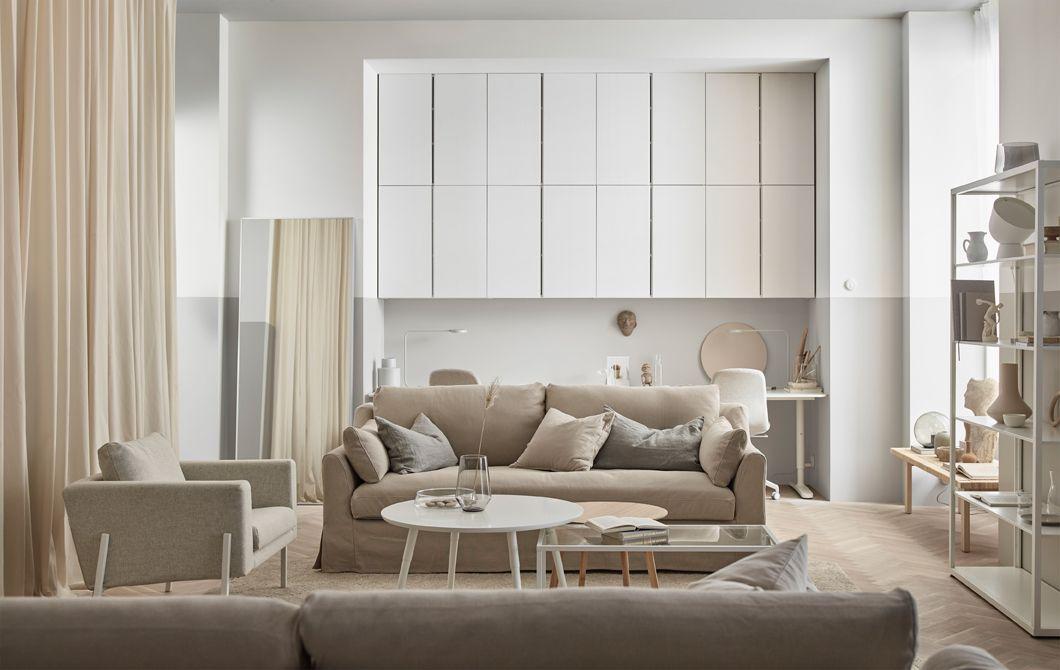 A Stylistu0027s Living Room: Cozy, Minimalist Retreat