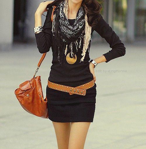 Black dress, big scarf and low belt. 