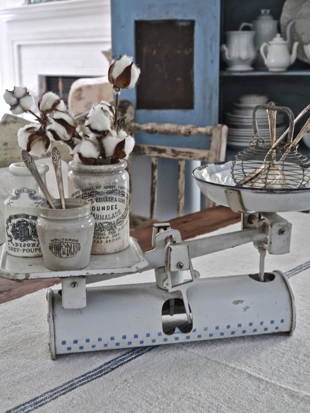 Utensilios De Cocina En Frances Chateau Chic Decorating With Whites Vintage And Shabby