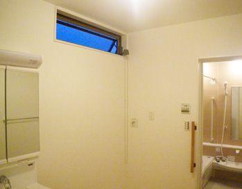 洗面所には高窓を設置 通風と採光を確保 家の窓 家 アイフルホーム