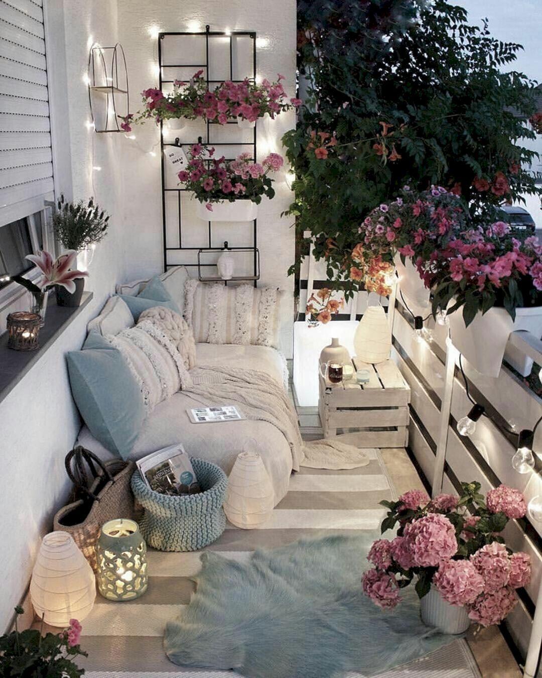 14 Beautiful DIY Romantic Balcony Decoration Ideas For Cozy